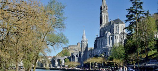 Il saluto dei Pellegrini dell'OFTAL di Stresa in partenza per Lourdes