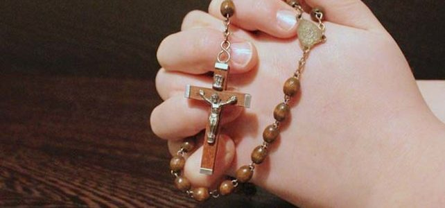 """1° maggio: inizio del mese di Maria a Stresa. Ecco il saluto """"speciale"""" del Parroco dal santurio mariano di  Passera."""