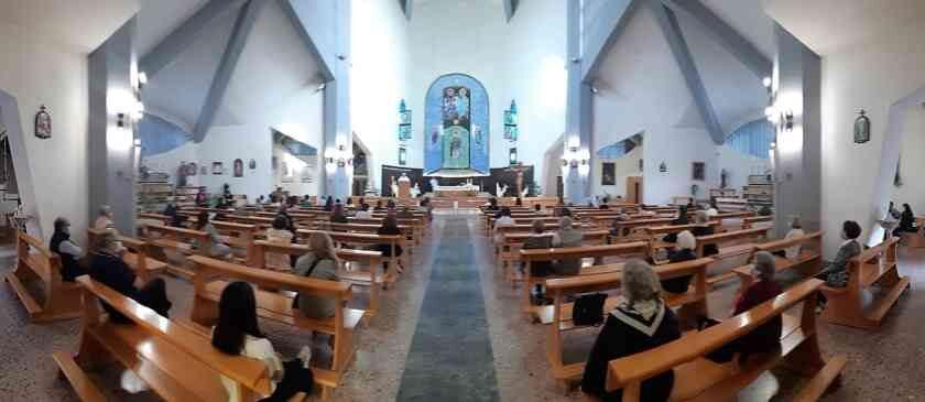 Dpcm 4 novembre 2020: nessun divieto per la S. Messa anche per le zone rosse: in chiesa sempre con la mascherina e distanziati